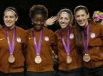 美国队获得铜牌 队员心满意足