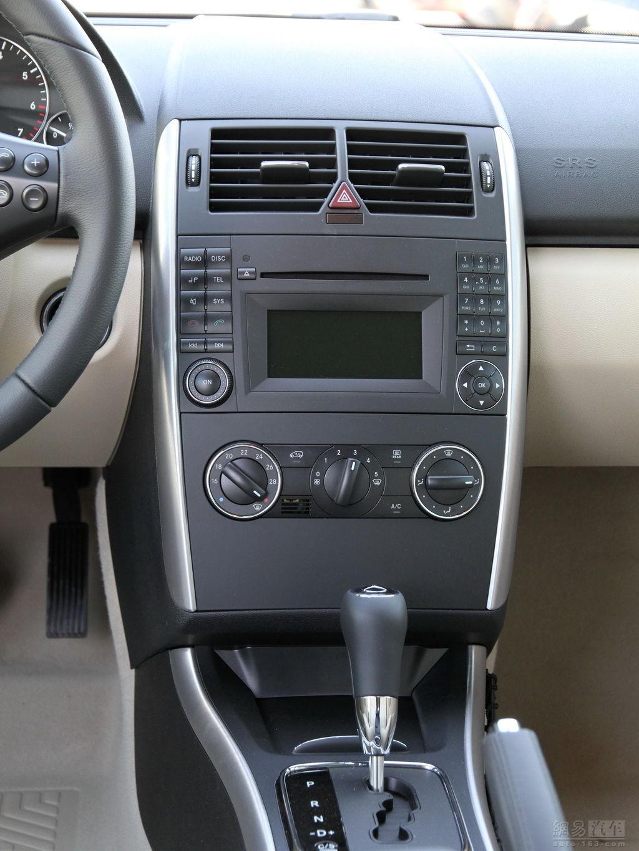 奔驰a级 2010款 a160 ——中控台局部