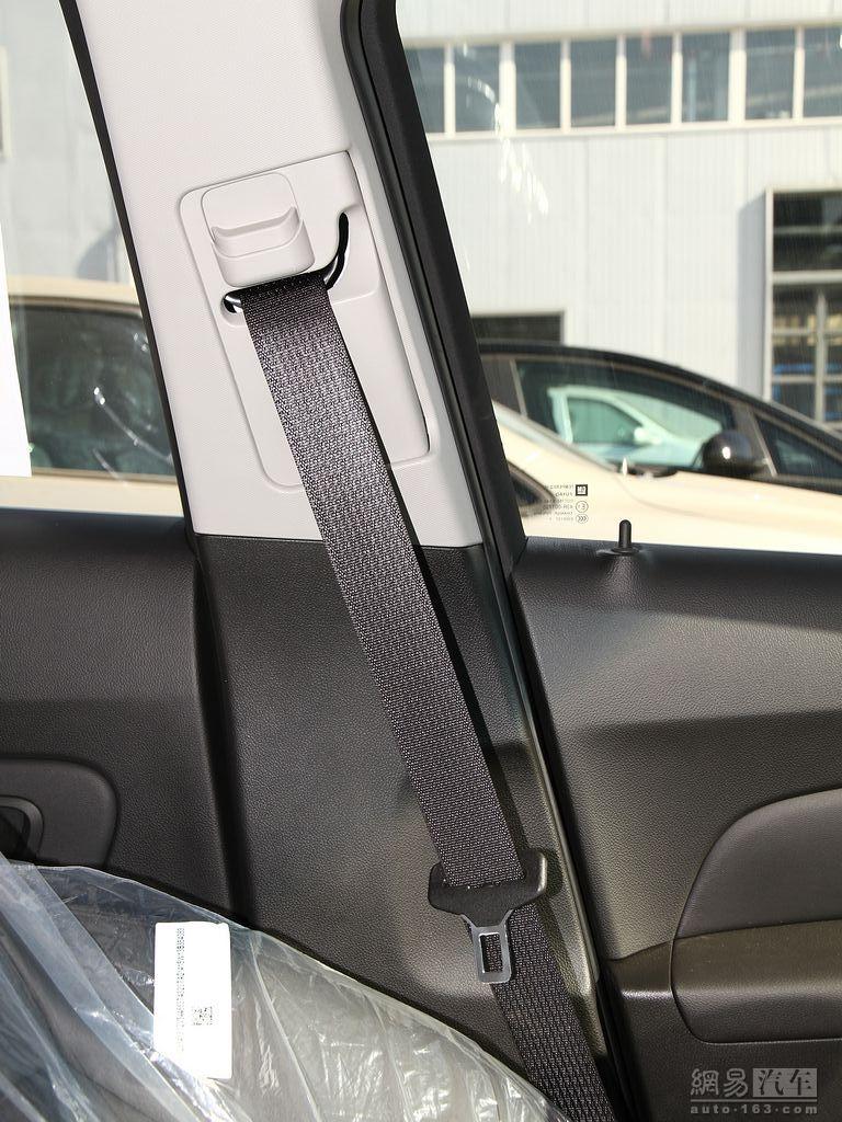 雪佛兰科鲁兹三厢 1.8at sx 驾驶位安全带高清图片